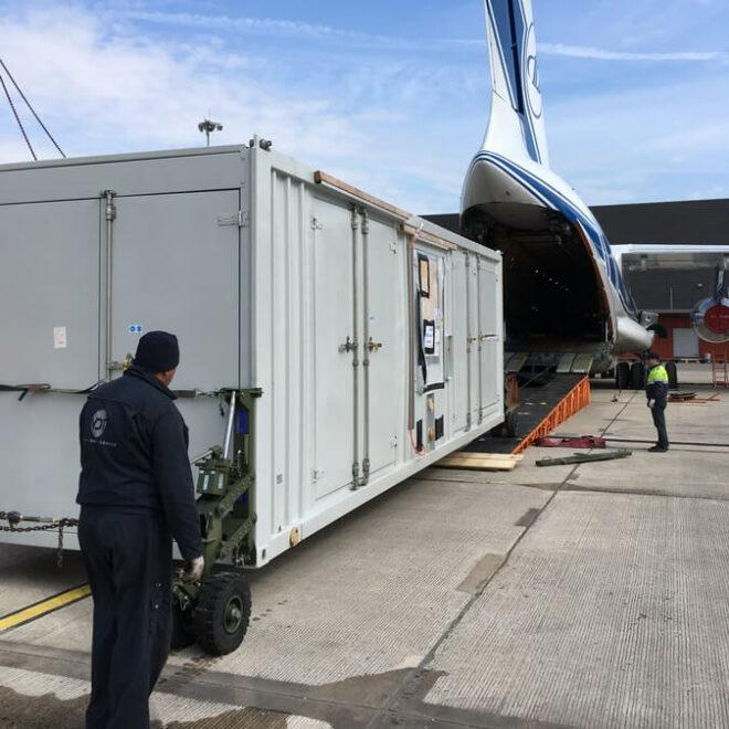 Volga-Dnepr_Airlines_winglift_loading_02