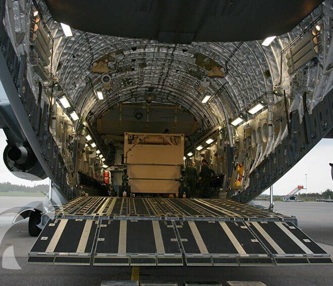 saab-winglift-loading-01